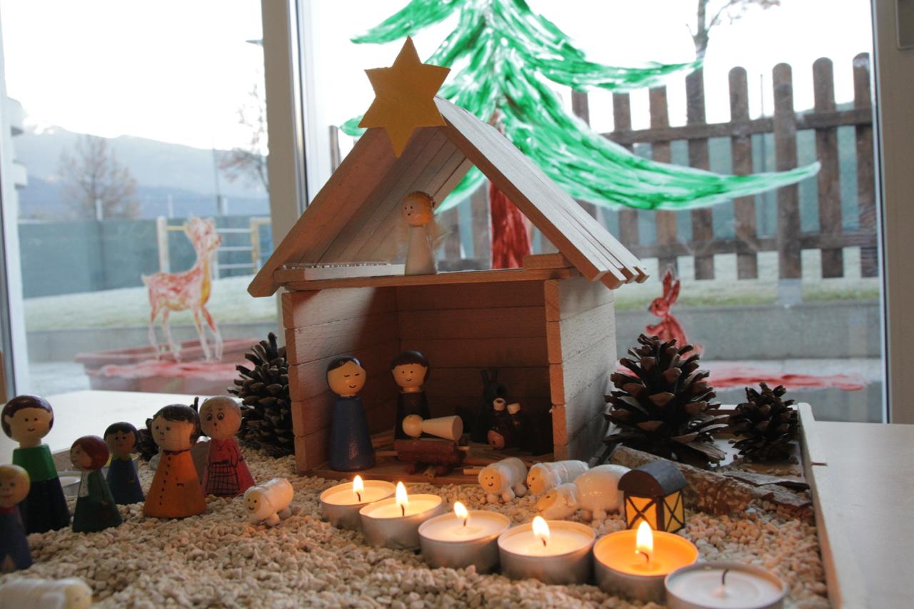 weihnachten in der kinderkrippe. Black Bedroom Furniture Sets. Home Design Ideas