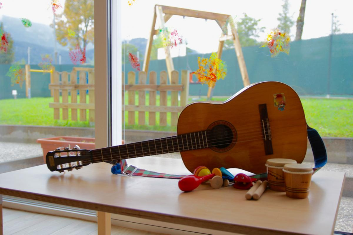 Kinderkrippe Gitarre